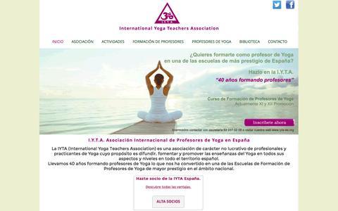 Screenshot of Home Page iyta-es.com - Asociación Internacional de Profesores de Yoga Asociacion Internacional de Yoga - captured April 9, 2016