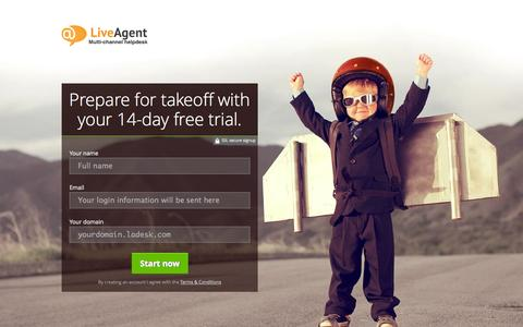 Screenshot of Landing Page ladesk.com - Ultimate edition - 14-day Free Trial | LiveAgent - captured Oct. 27, 2014