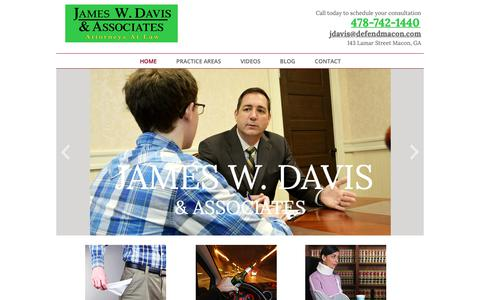 Screenshot of Home Page defendmacon.com - James W. Davis - Attorney |  Bankruptcy | PI | Divorce | DUI | Macon, GA - captured Oct. 13, 2018