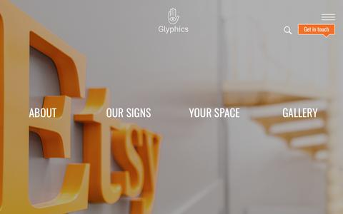 Screenshot of Home Page glyphics.co.uk - Glyphics | London creative sign makers - Quality bespoke business signs - captured Sept. 29, 2018