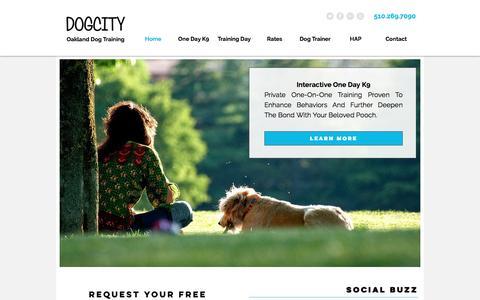 Screenshot of Home Page dogsinthecitytraining.com - Oakland Dog Training - captured Aug. 2, 2016