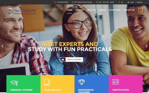 Screenshot of Home Page technosum.com - Internship | Summer Training | Winter Training | Summer Internship - captured Feb. 14, 2016