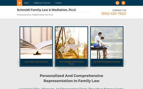 Screenshot of Home Page schmidtfamilylaw.com - Edina Family Law Attorney | Collaborative Law - captured Oct. 5, 2017
