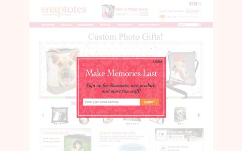 Screenshot of Home Page snaptotes.com - Photo printed, all leather handbags, wallets, accessories, and gifts - Snaptotes - captured Jan. 11, 2016