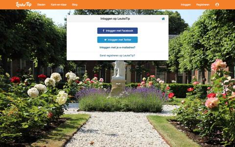Screenshot of Login Page leuketip.nl - Inloggen via Facebook, Twitter of e-mailadres - captured May 17, 2017