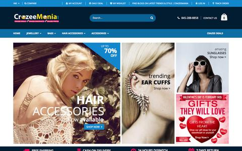Screenshot of Home Page crazeemania.com - Online Fashion Boutique | Buy Imitation Jewellery | CrazeeMania - captured June 18, 2015