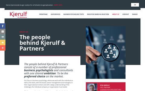 Screenshot of About Page kjerulf-partnere.dk - Om os   Kjerulf & Partnere - captured Oct. 15, 2018