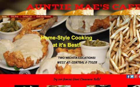 Screenshot of Home Page auntiemaescafe.com - Auntie Maes Cafe in Wichita, Ks - captured Aug. 2, 2015