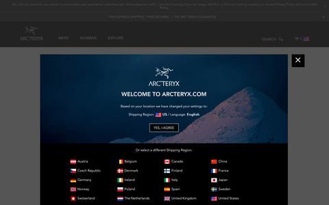 Screenshot of Login Page arcteryx.com - Sign-In / Arc'teryx - captured Oct. 4, 2018