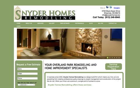 Screenshot of Home Page snyderhomes.biz - Overland Park Remodeler Kitchen Bathroom Cabinet Home Improvement - captured Oct. 9, 2014