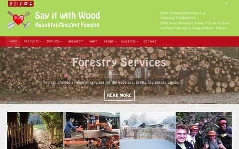 Screenshot of Home Page sayitwithwood.co.uk - Say it with Wood - Traditional, rustic fencing and gates - captured Dec. 8, 2018