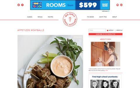 Screenshot of Home Page biggirlssmallkitchen.com - Big Girls Small Kitchen - A guide to quarterlife cooking - captured Oct. 1, 2015