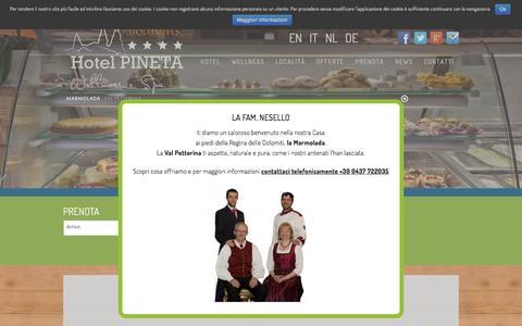 Screenshot of Home Page hotelpineta.net - Hotel Pineta Wellness in Rocca Pietore, soggiorno in Marmolada - captured June 17, 2015