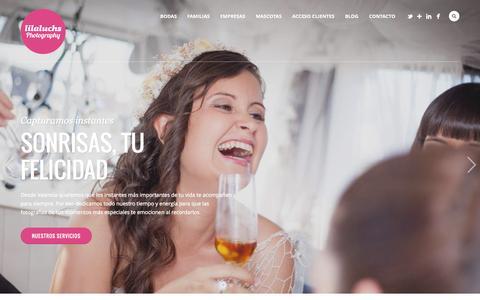 Screenshot of Home Page lilaluchs.com - Fotógrafos en Valencia para bodas, empresas y familias - captured June 18, 2015