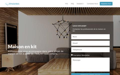 Screenshot of Home Page kitmaisonbois.com - Kit Maison Bois - Constructeur De Maison & Chalets En Bois Moderne - captured Sept. 20, 2018