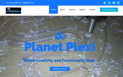 Screenshot of Home Page planetplexi.com - Plastic Fabrication | Custom Fabrication | Thermoforming | Flatbed Printing - captured Nov. 4, 2018