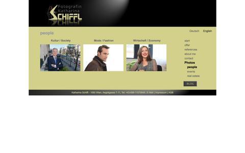 Screenshot of Team Page katharinaschiffl.com - people - Photographer Katharina Schiffl, Vienna, Austria, commission, press, art - captured Nov. 23, 2016