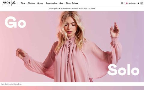 Screenshot of Home Page nastygal.com - Nasty Gals Do It Better. Shop Clothing, Shoes & Vintage | Nasty Gal - captured Jan. 15, 2016