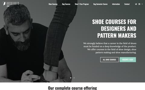 Screenshot of Home Page arsutoriaschool.com - Arsutoria School - Shoe and Bag design School - captured Oct. 25, 2018