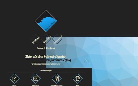 Screenshot of Home Page bluestonedesign.de - WEBDESIGN WEBENTWICKLUNG WEBHOSTING aus Leipzig - captured Aug. 10, 2015