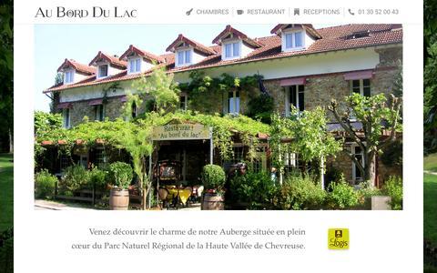 Screenshot of Home Page auborddulac.com - Au Bord Du Lac   Hôtel - Restaurant - captured Oct. 16, 2015
