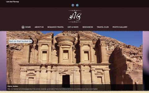 Screenshot of Home Page honeymoonsandgetaways.com - Destination Weddings, Luxury Travel, Honeymoons, Vacations - captured July 25, 2015