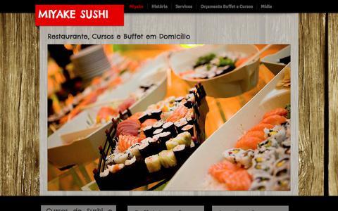 Screenshot of Home Page miyakesushi.com.br - Miyake Sushi, Cursos, Buffet em domicílio e Sushibar - captured Nov. 6, 2017