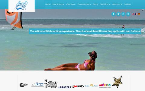 Screenshot of Home Page oceanprokite.com - Tulum Kitesurfing school   Kiteboarding or Kitesurf Riviera Maya Mexico Caribbean - captured Oct. 6, 2014