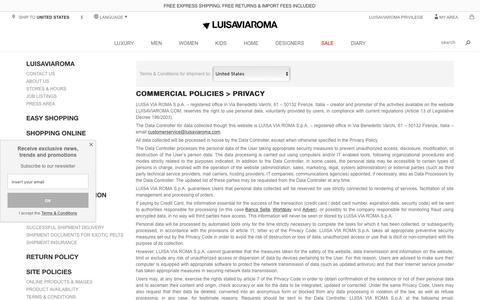Screenshot of Privacy Page luisaviaroma.com - Contact us - LUISAVIAROMA - captured Aug. 25, 2017