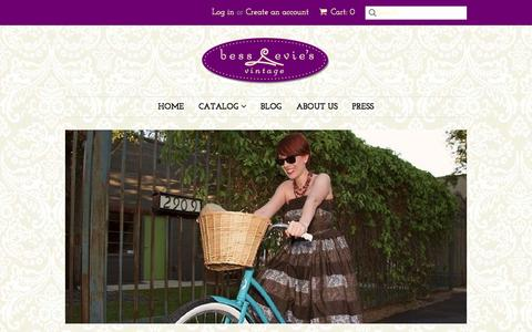 Screenshot of Home Page bessandevies.com - Bess & Evie's Vintage Clothing Cowboy Boots Dresses Handbags jewelry – Bess & Evie's  Vintage - captured Oct. 5, 2014