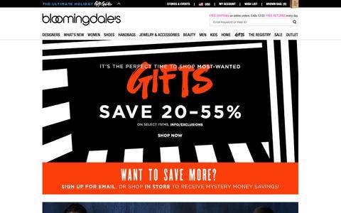 Screenshot of Home Page bloomingdales.com - Shop Bloomingdale's | Designer Dresses, Clothes, Shoes, Handbags, Cosmetics, Home and More - captured Dec. 7, 2015
