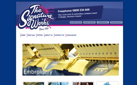 Screenshot of Home Page thesignatureworks.co.uk - Located in Bangor near Belfast clothing embroidery and t shirt printing. Polo Shirts, leavers hoodies The Signature Works - captured Oct. 9, 2014