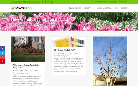 Screenshot of Blog lawnenvy.com - Groundskeeping Guru - Lawn Care Tips | Lawn Envy - captured July 19, 2015
