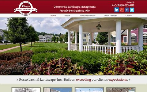 Screenshot of Home Page russolawn.com - Welcome to Russo Lawn & Landscape :: - captured Oct. 7, 2014