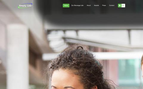 Screenshot of Home Page simplylids.com - Disposable Coffee Lids Manufacturer | Simply Lids | Beverage Lid Manufacturer - captured Dec. 21, 2015