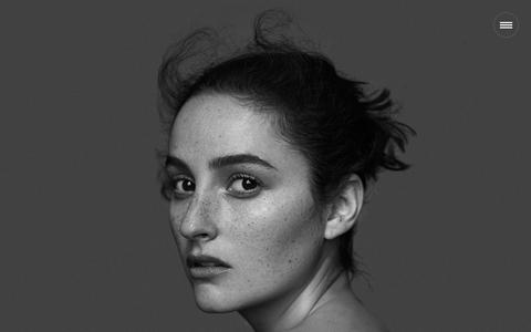 Screenshot of Home Page hernameisbanks.com - hernameisbanks - captured Dec. 25, 2016