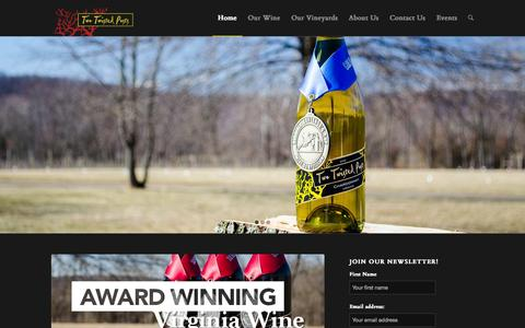 Screenshot of Home Page twotwistedposts.com - Two Twisted Posts Winery | Craft Winery in Purcellville, VA - captured Oct. 6, 2014