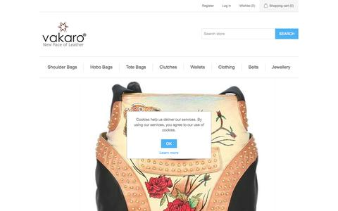 Screenshot of Home Page vakaro.com - Buy hand painted leather handbags online in India - captured Aug. 4, 2015