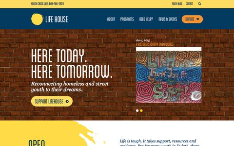 Screenshot of Home Page lifehouseduluth.org - Life House   Reconnecting homeless and street youth to their dreams. - captured June 18, 2015