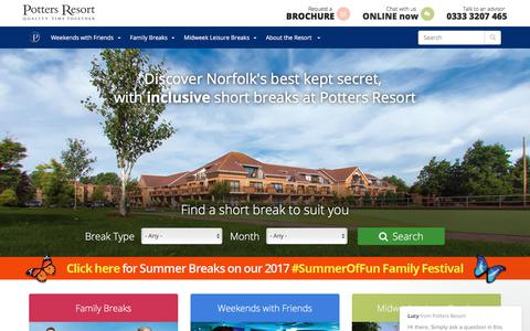 Screenshot of Home Page pottersholidays.com - Short Breaks | Weekend Breaks | Christmas Breaks | Norfolk UK Breaks - captured Aug. 9, 2017