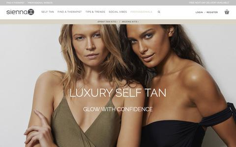 Screenshot of Home Page sienna-x.co.uk - Spray Tan Solution, Fake Tan & Wax - Sienna X, Guild Award Winner 2018 :Sienna X - captured Sept. 20, 2018