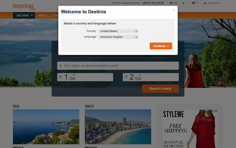 Screenshot of Home Page destinia.com - Cheap hotel deals and online flight booking - Destinia Travel - captured Oct. 1, 2015