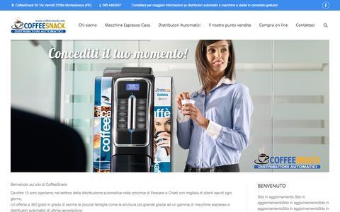Screenshot of Home Page coffeesnack.com - CoffeeSnack Distributori Automatici | CoffeeSnack, gestione distributori automatici in provincia di Pescara, Chieti e Teramo. Distributore autorizzato Illy, Lavazza Blue e Lavazza Espresso Point - captured Sept. 18, 2015