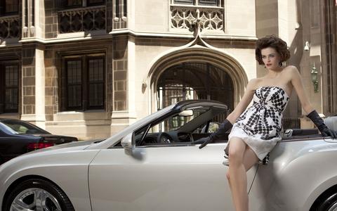 Screenshot of Home Page bentleygoldcoast.com - Chicago Exotic Car Dealer | Exotic Cars for Sale | Bentley, Lamborghini, Rolls Royce & Bugatti for Sale - captured Feb. 7, 2016