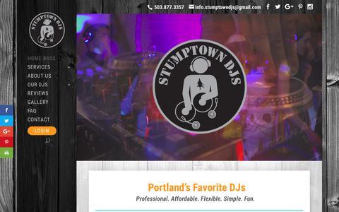 Screenshot of Home Page stumptowndjs.com - Stumptown DJs - Wedding DJ, Party DJ, Disc Jockeys - captured Nov. 11, 2017