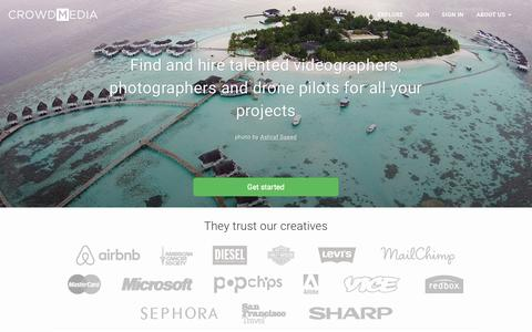 Screenshot of Home Page crowdmedia.co - CrowdMedia | Custom-made videos, photos and drone visuals. - captured Aug. 10, 2015