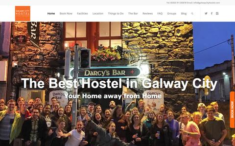 Screenshot of Home Page galwaycityhostel.com - Galway City Hostel - Irish Hostel accommodation in the heart of Galway - captured July 16, 2018