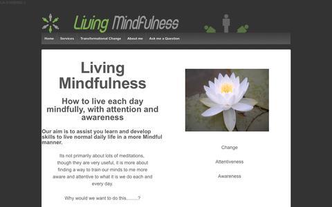 Screenshot of Home Page living-mindfulness.co.uk - Living Mindfulness - captured Jan. 29, 2017