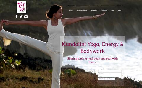 Screenshot of Home Page pasosyoga.com - Pasos Yoga, Energy & Bodywork - captured July 18, 2015