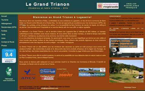 Screenshot of Home Page legrandtrianon.com - Le Grand Trianon Chambre & table d'hôtes Bienvenue - Auvergne, Haute-Loire entre Brioude et La Chaise Dieu - captured July 12, 2016